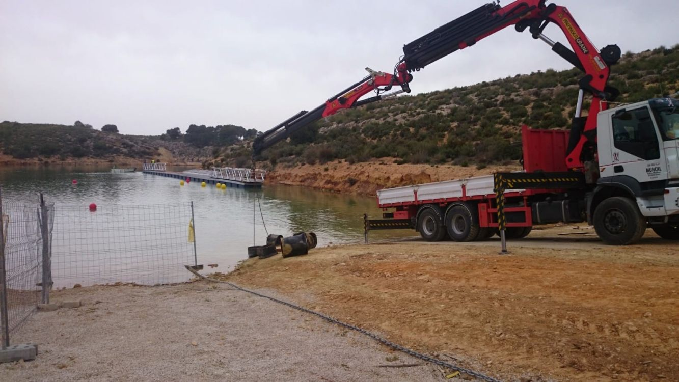 Camión grúa para obras en Albacete