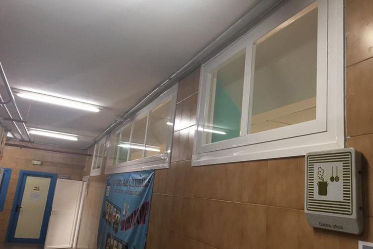 Ventanas de aluminio en colegio en Parla