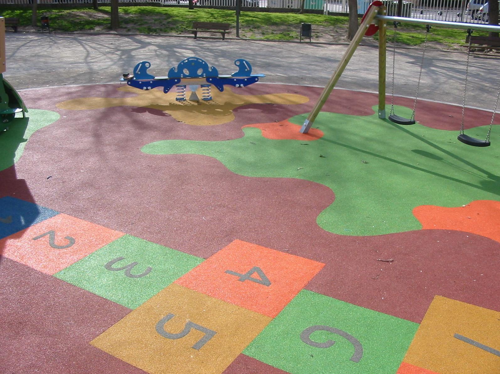 Foto 50 de Pavimentos para parques infantiles en Quart de Poblet | Pavimentos de Caucho