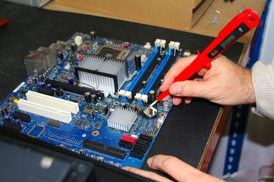 Venta y reparación de móviles y ordenadores: Servicios de D'En Bossa Mobile