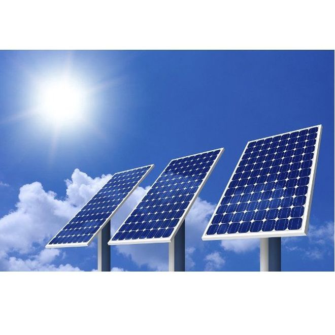 Montaje de placas solares: Servicios de Energías Renovables Pou Clar S.L.