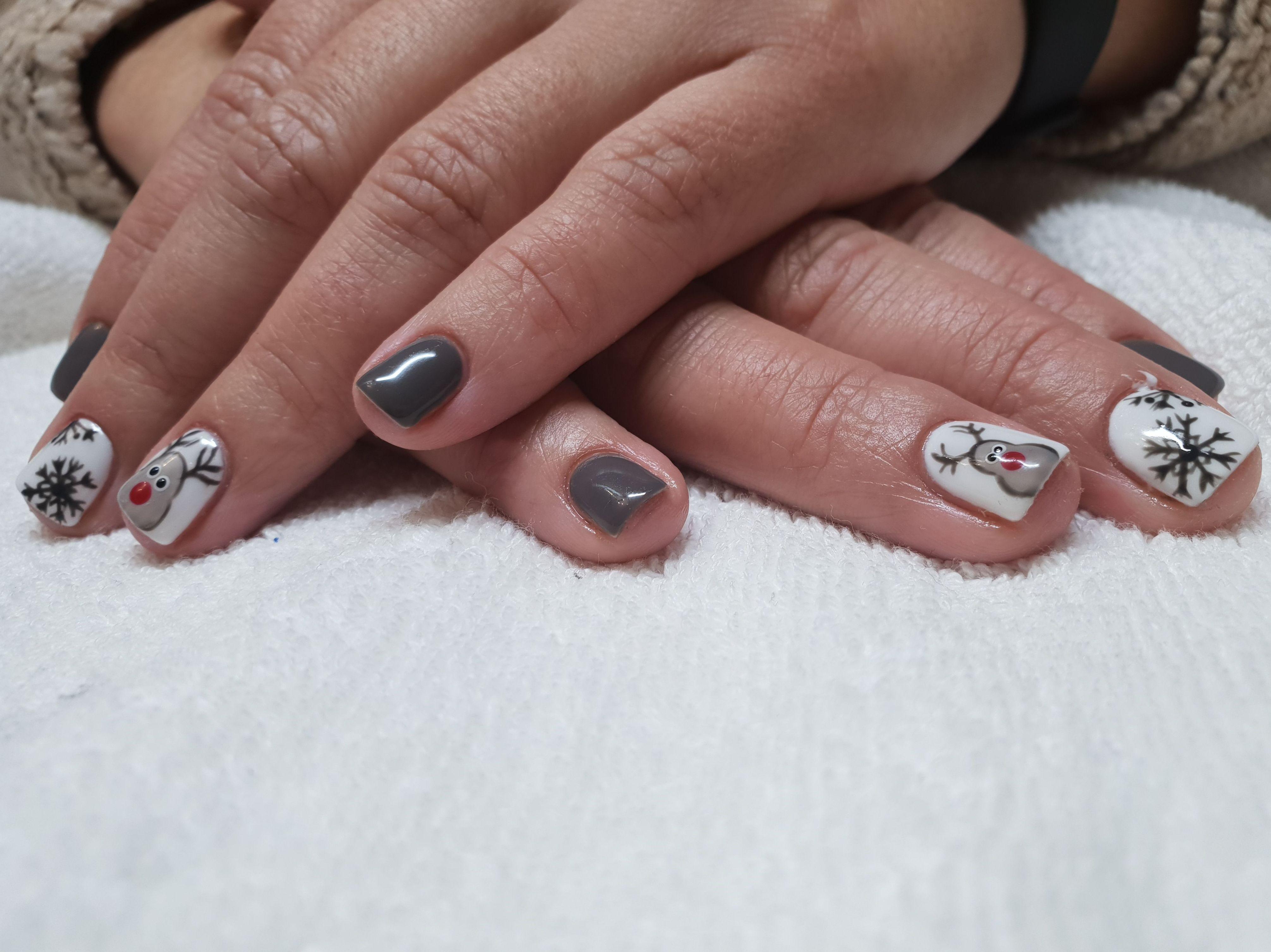 Manicuras y decoración de uñas en Segovia