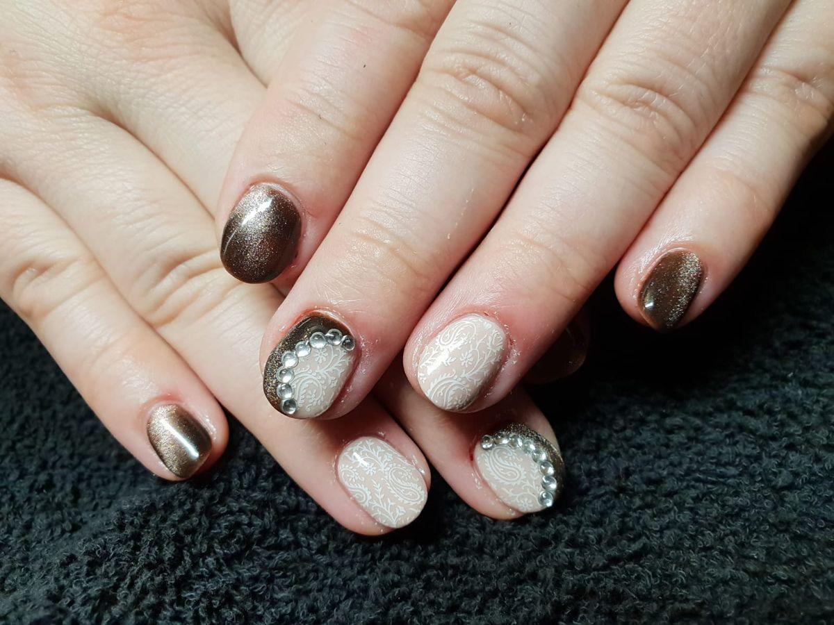 Últimas tendencias en maquillaje de uñas en Segovia