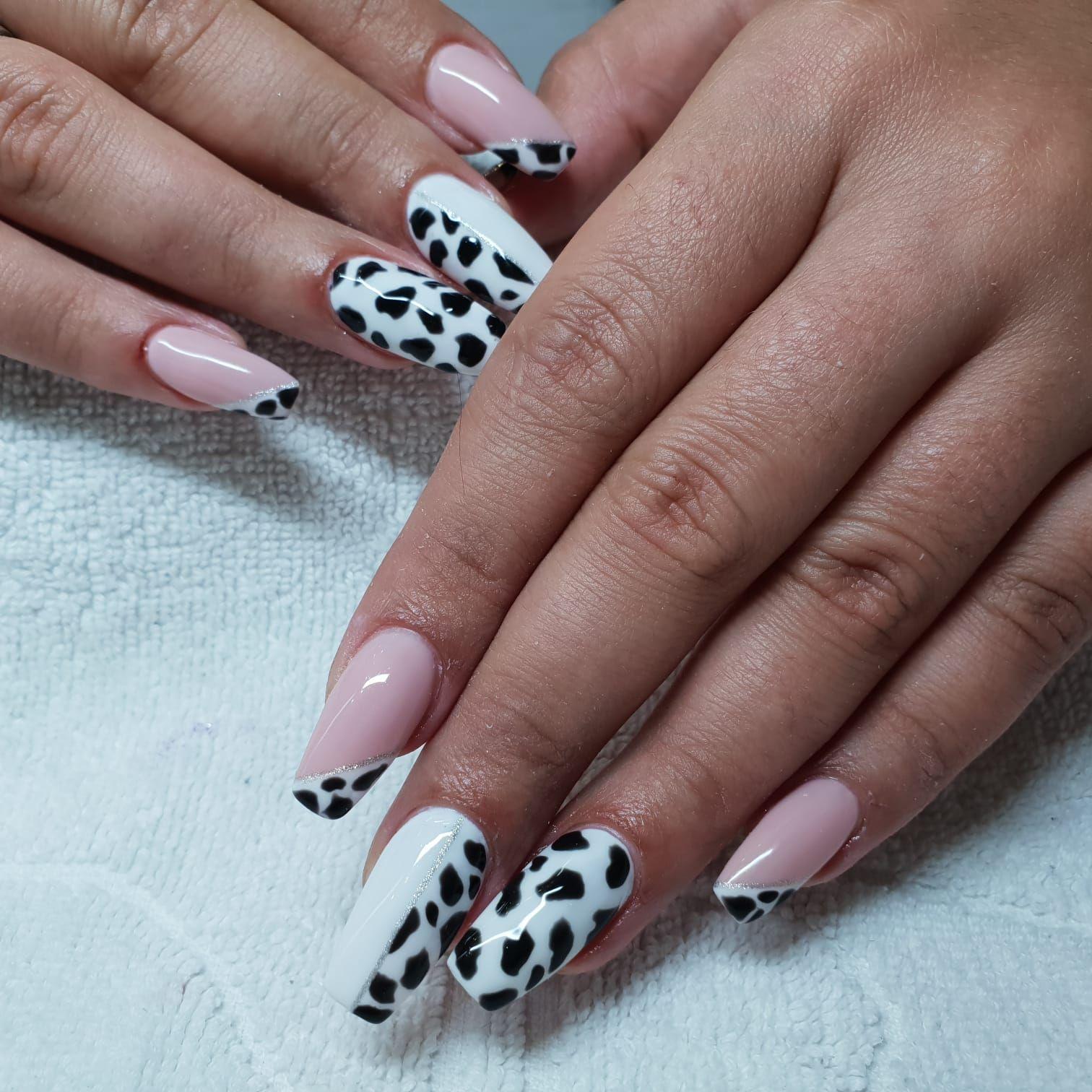 Animal print para unas uñas espectaculares.