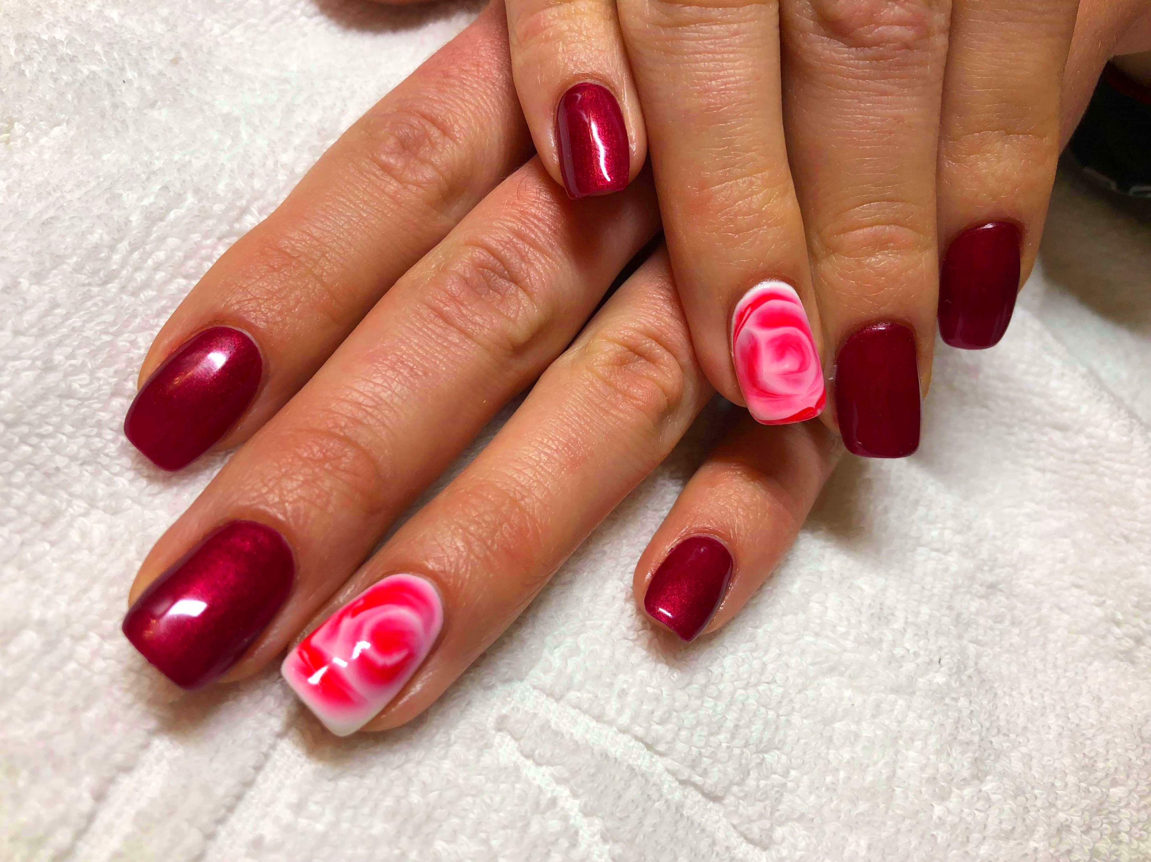 Nos encanta hacer las uñas que sean unicas!