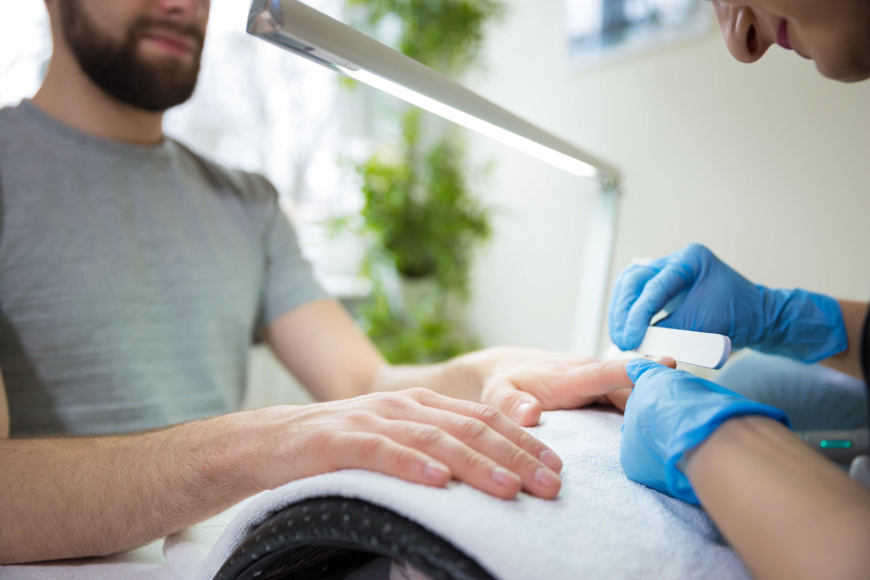 Manicura masculina:  de Studio de manicura y maquillaje en Segovia