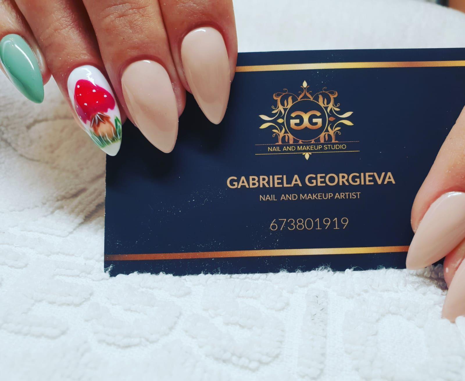 Estudio de manicura y maquillaje Segovia, siempre contigo.