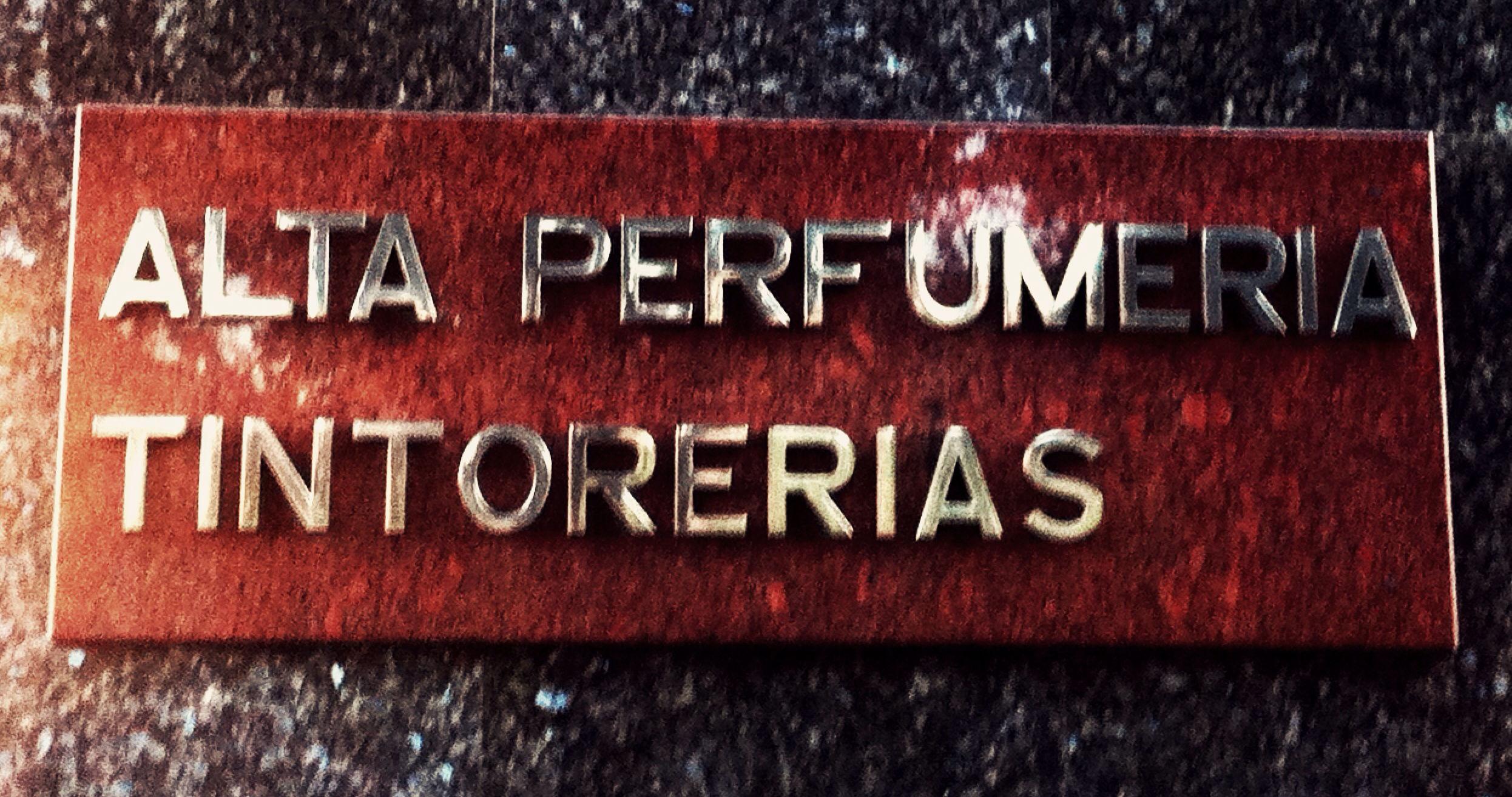 Foto 5 de Perfumería y cosmética (tiendas) en Madrid | Perfumería Madrid-París