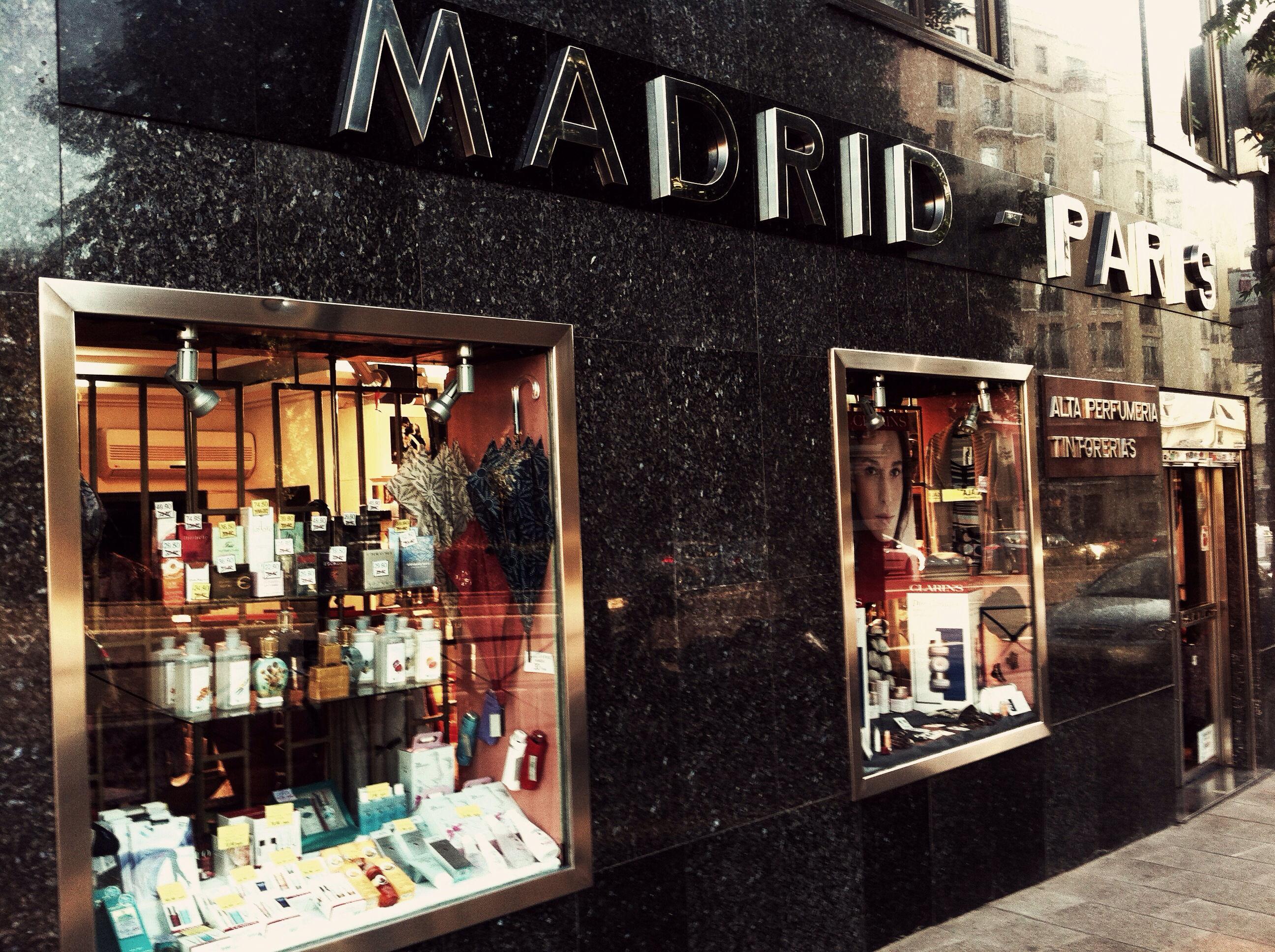 Foto 2 de Perfumería y cosmética (tiendas) en Madrid | Perfumería Madrid-París