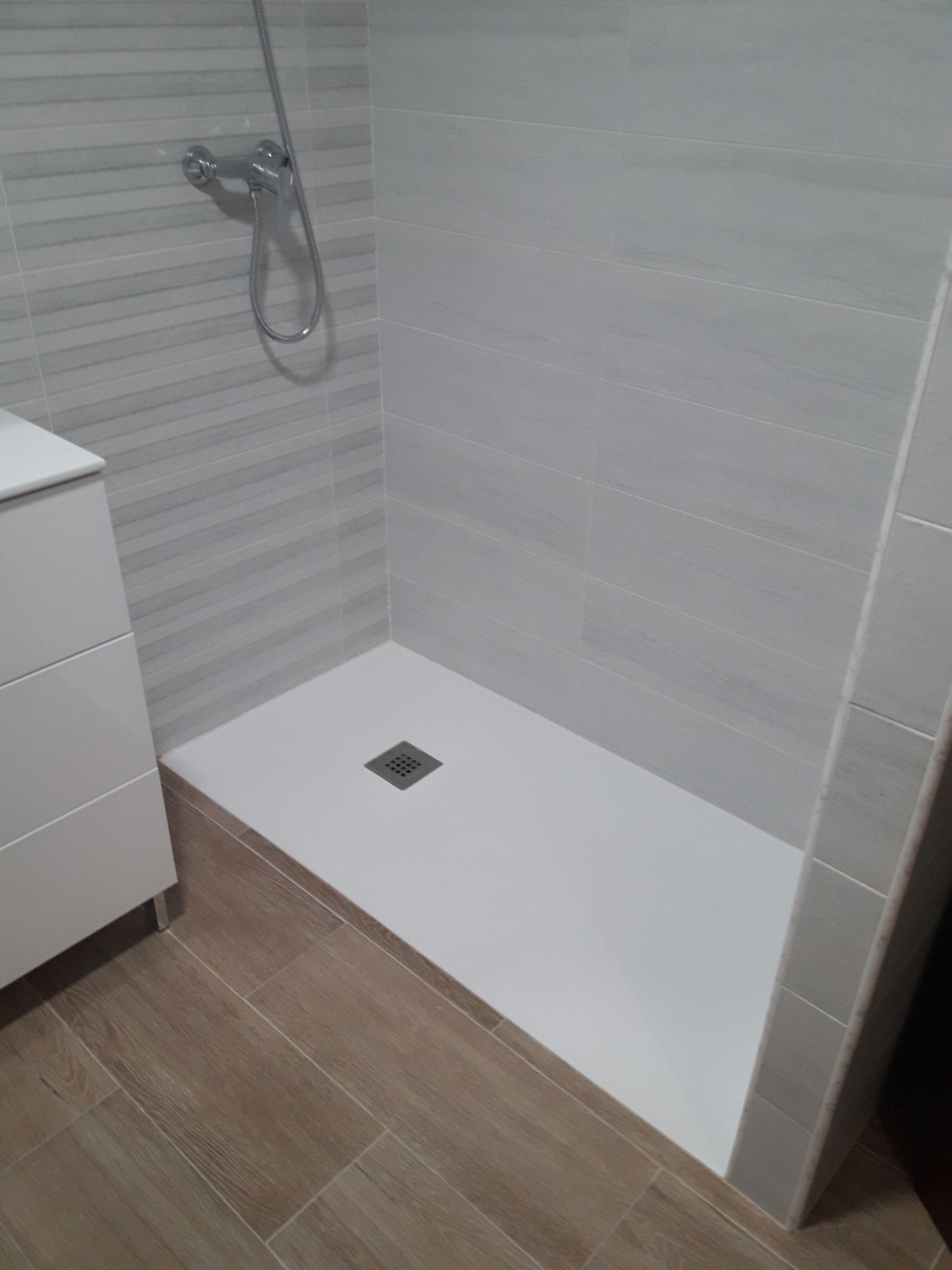 Sustitución de bañera por plato de ducha: Servicios de Construcciones Mira & Armero S.L
