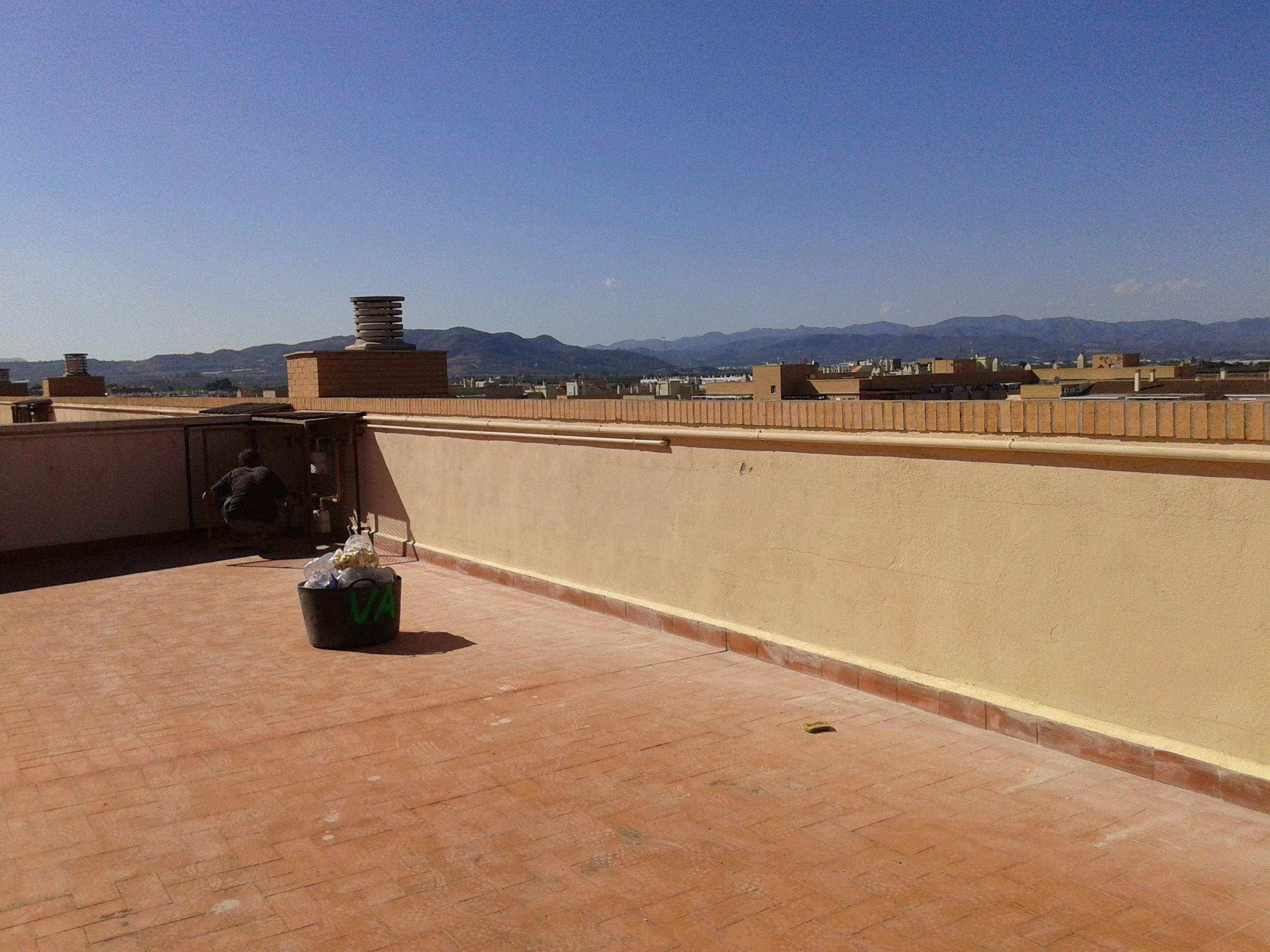 Reparación de cubiertas: Servicios de Construcciones Mira & Armero S.L