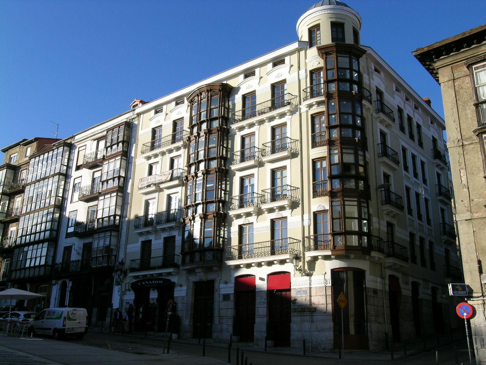 Rehabilitación de edificio de viviendas en Santander