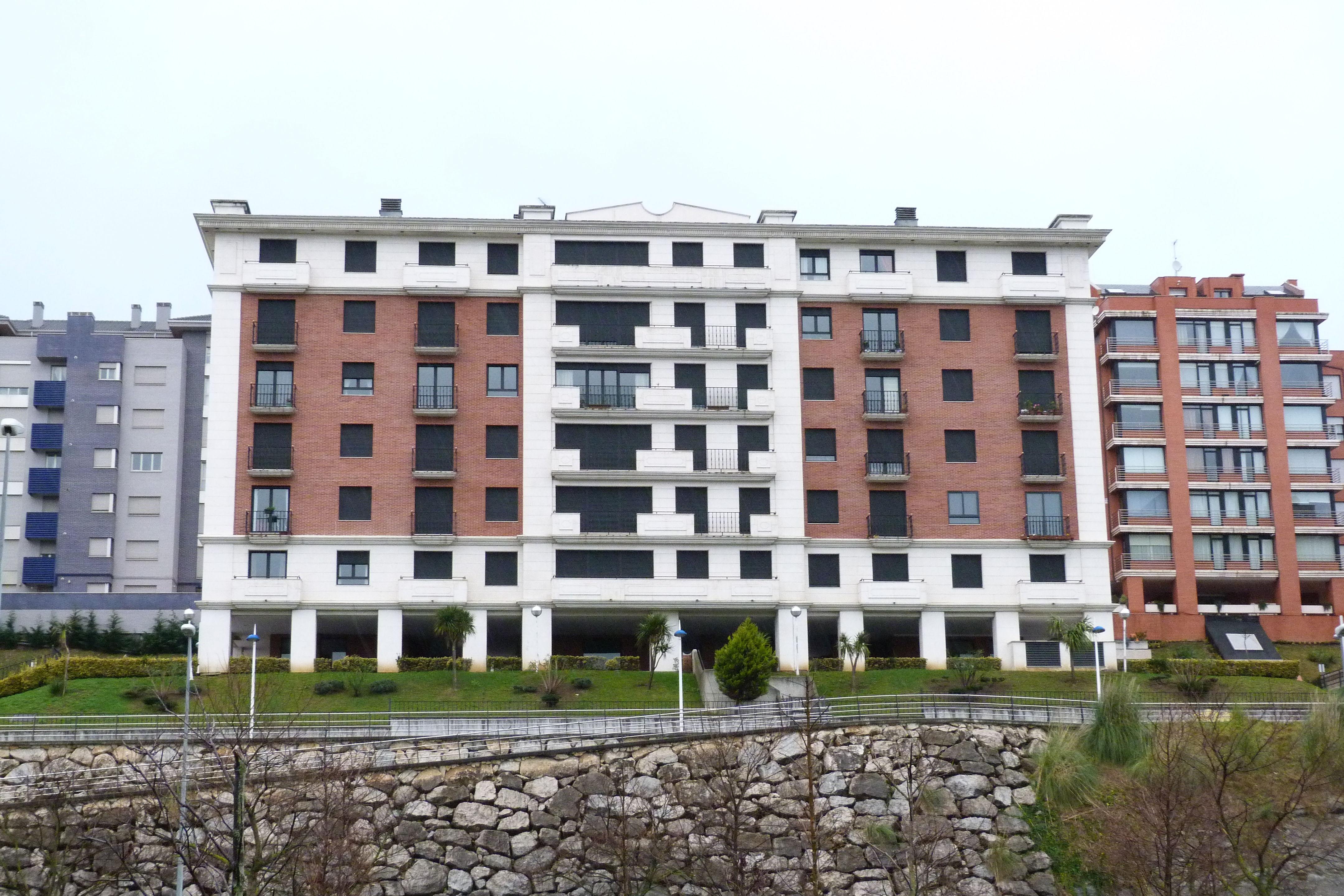 edificio de viviendas en Santander