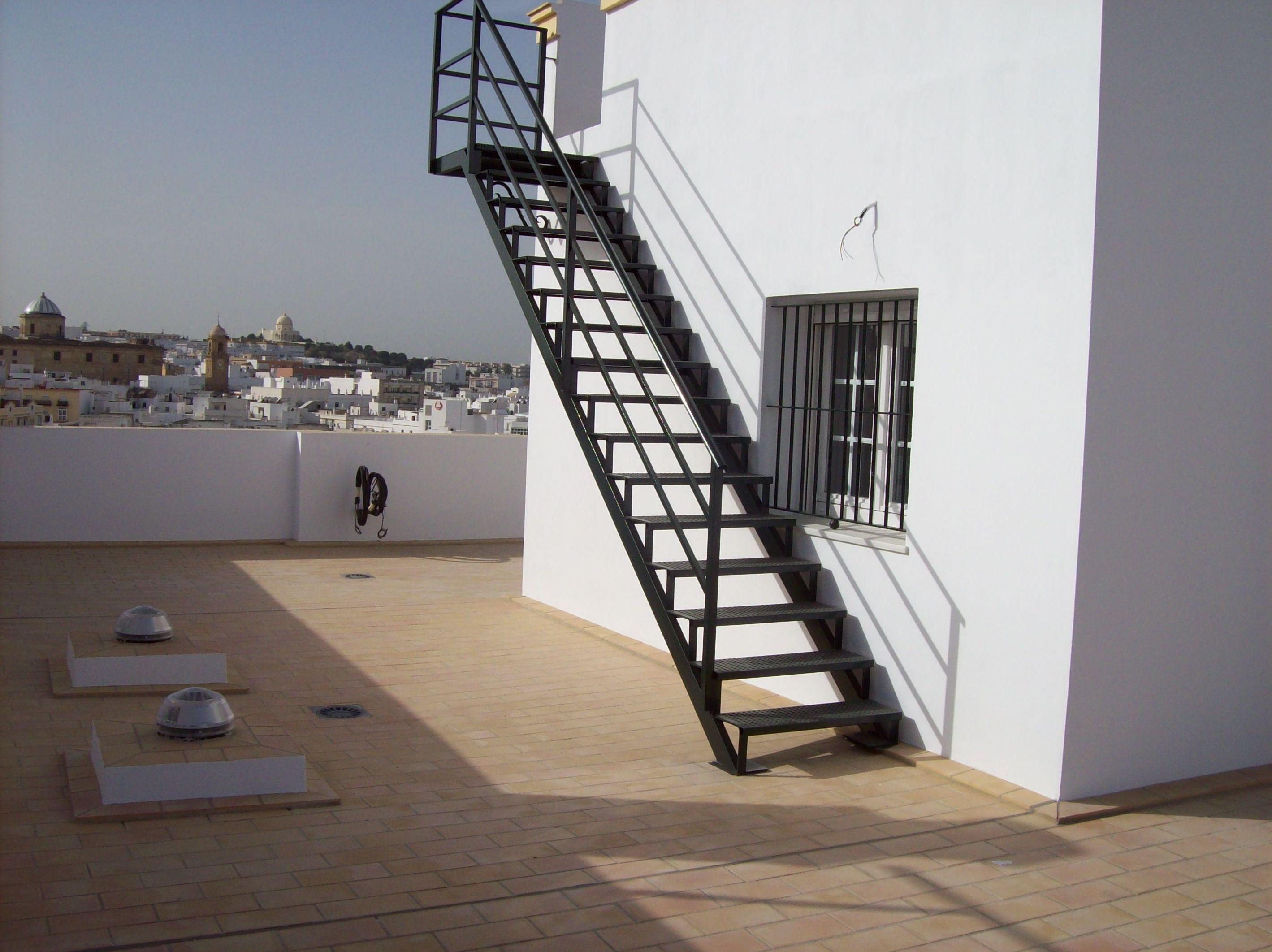 Foto 57 de puertas autom ticas en chiclana de la frontera for Gradas para exteriores