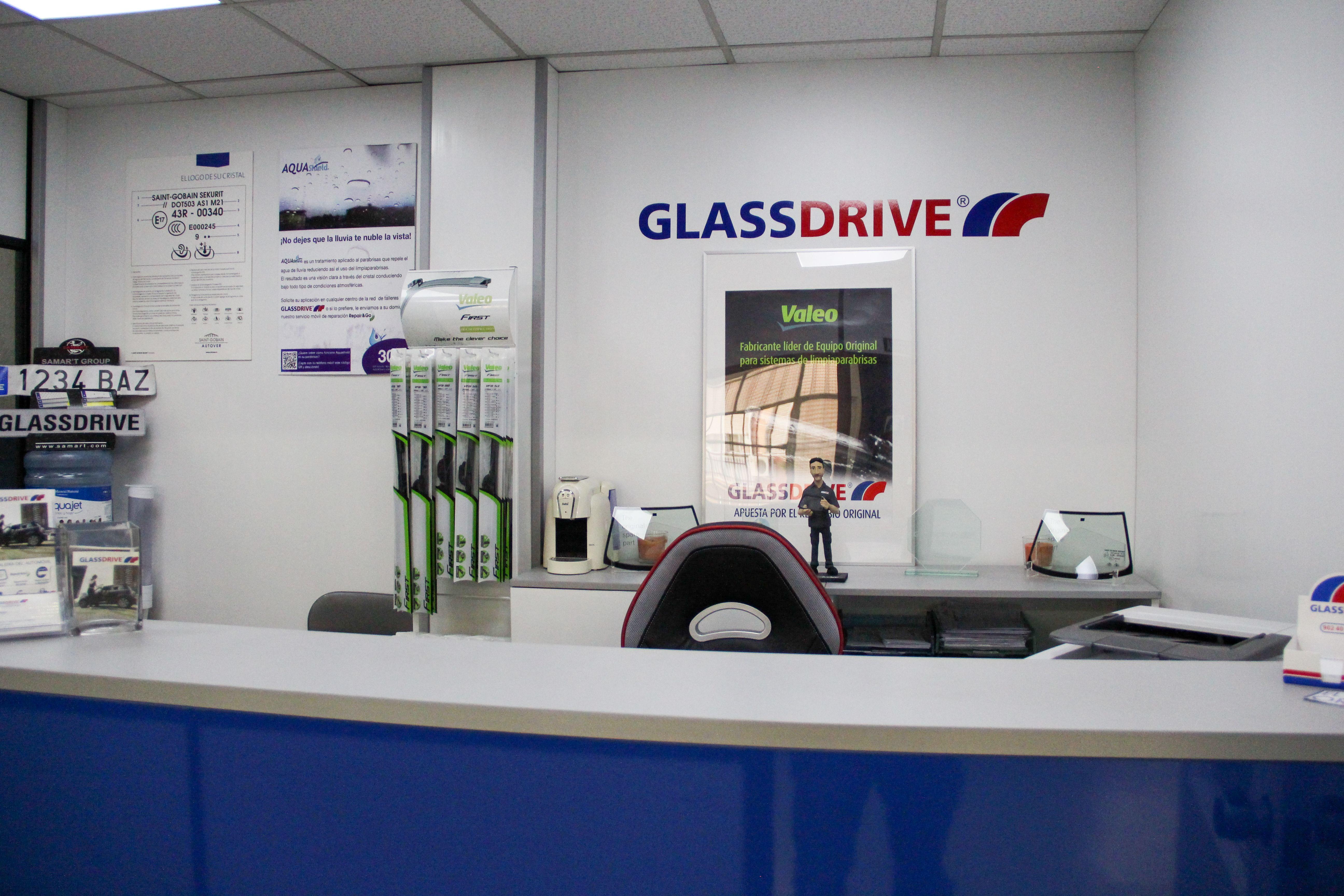 Foto 2 de Expertos en reparación, cambio y tintado de lunas en Getafe | Glassdrive Getafe