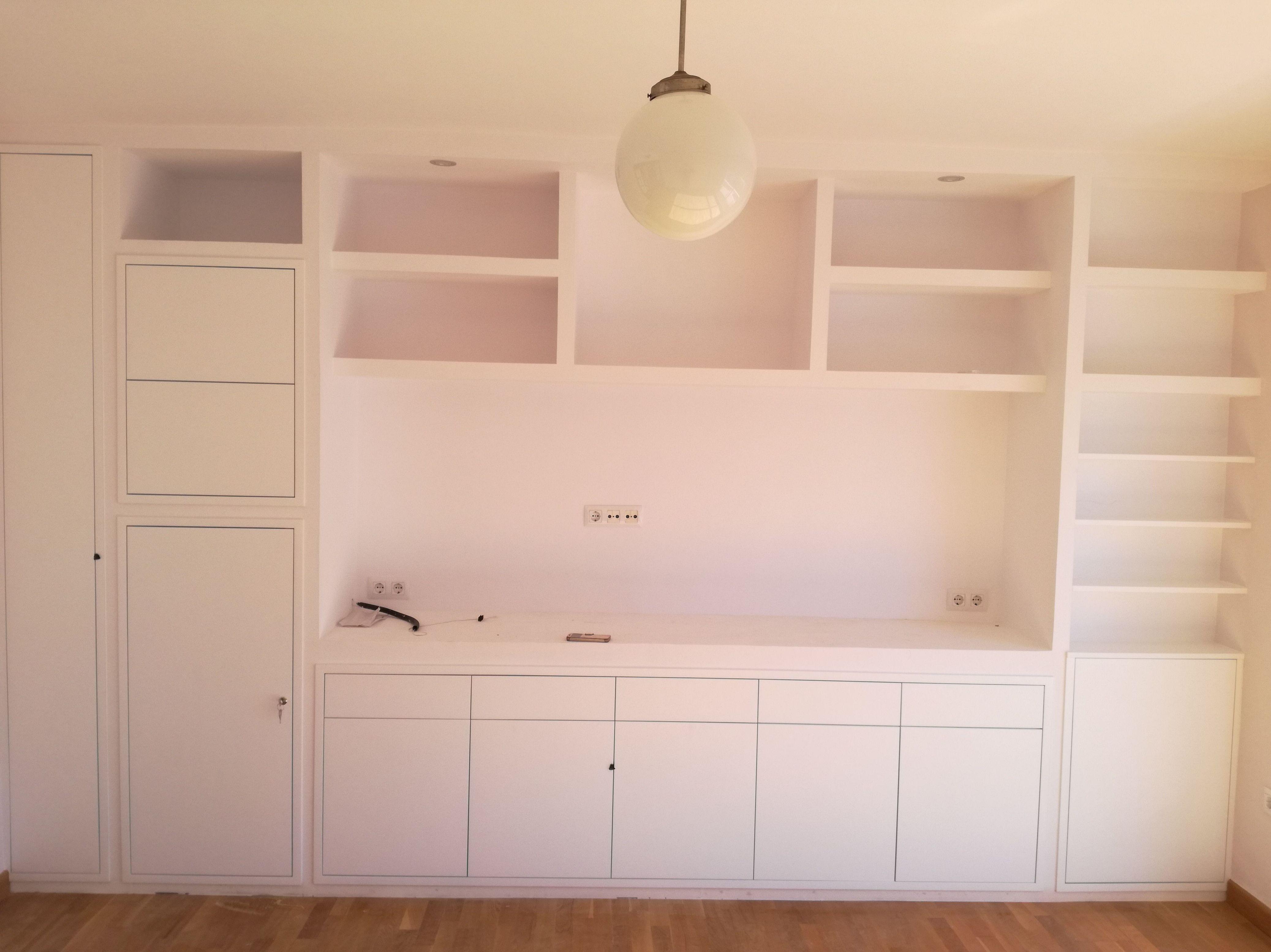 Muebles de salón con estanterías