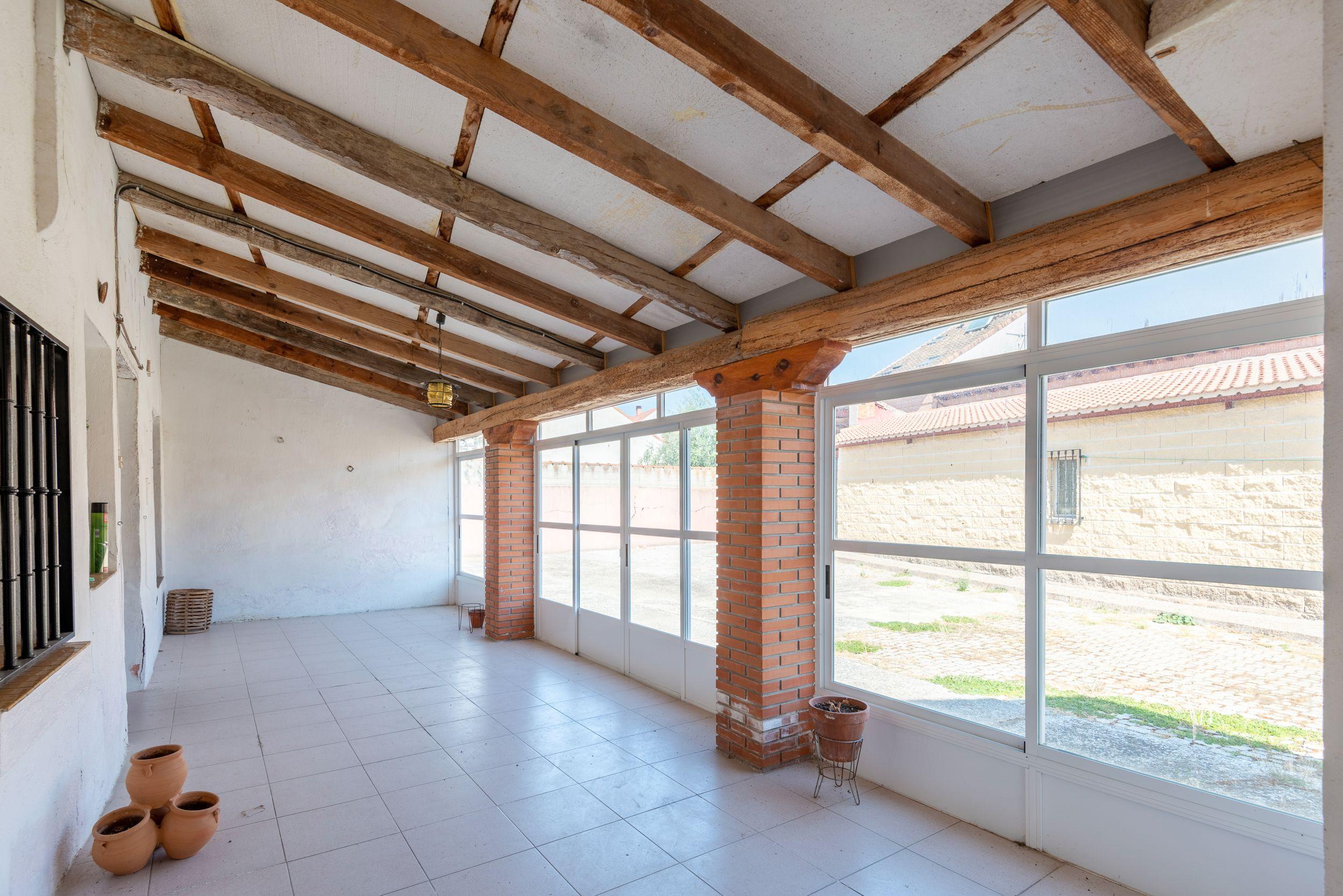 Casa vivienda de pueblo en El Casar (centro): Inmuebles de JR Team KW