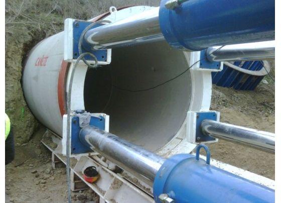 Instalación de conducto prefabricado de hormigón