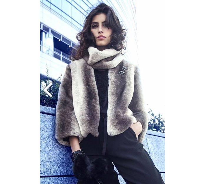 Cuello y chaqueta de Mimi Mua