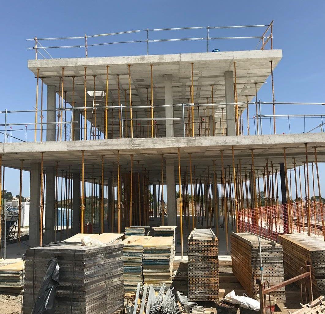 Construcción: Servicios de Alarcón y Rico