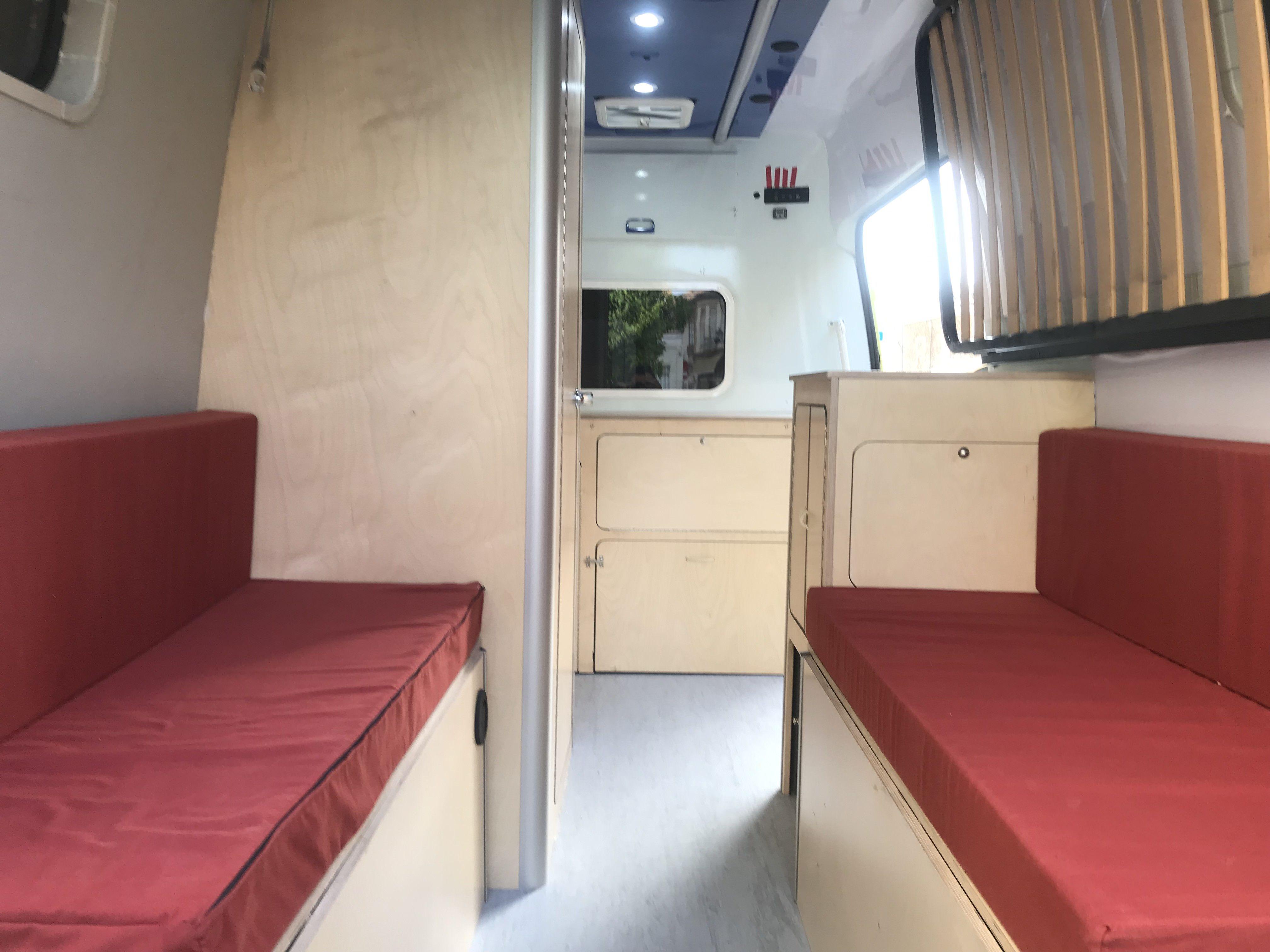 Foto 9 de Empresa dedicada a la camperización de furgonetas en València | CamperValencia
