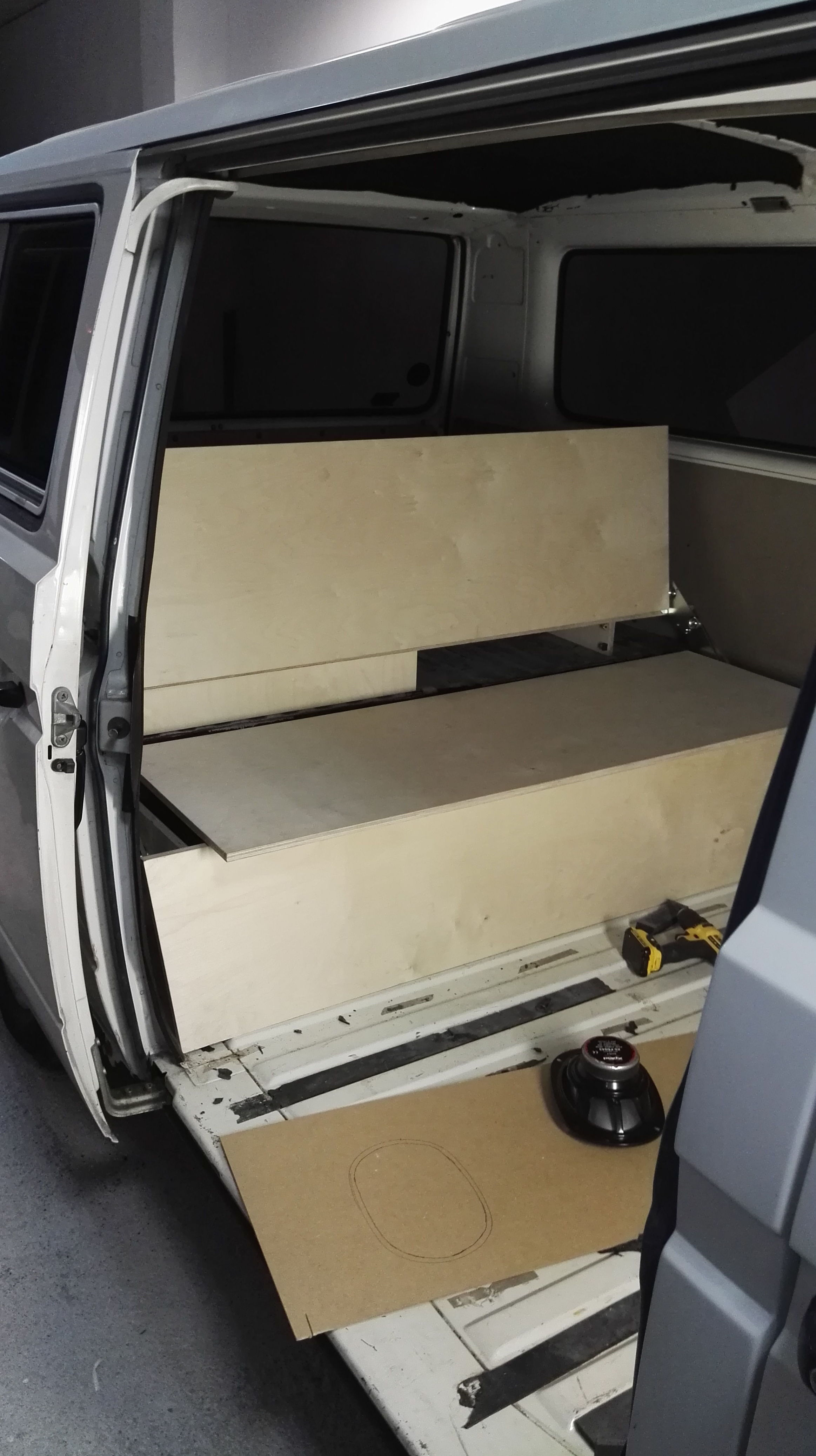 Asiento Cama con mueble trasero en VW