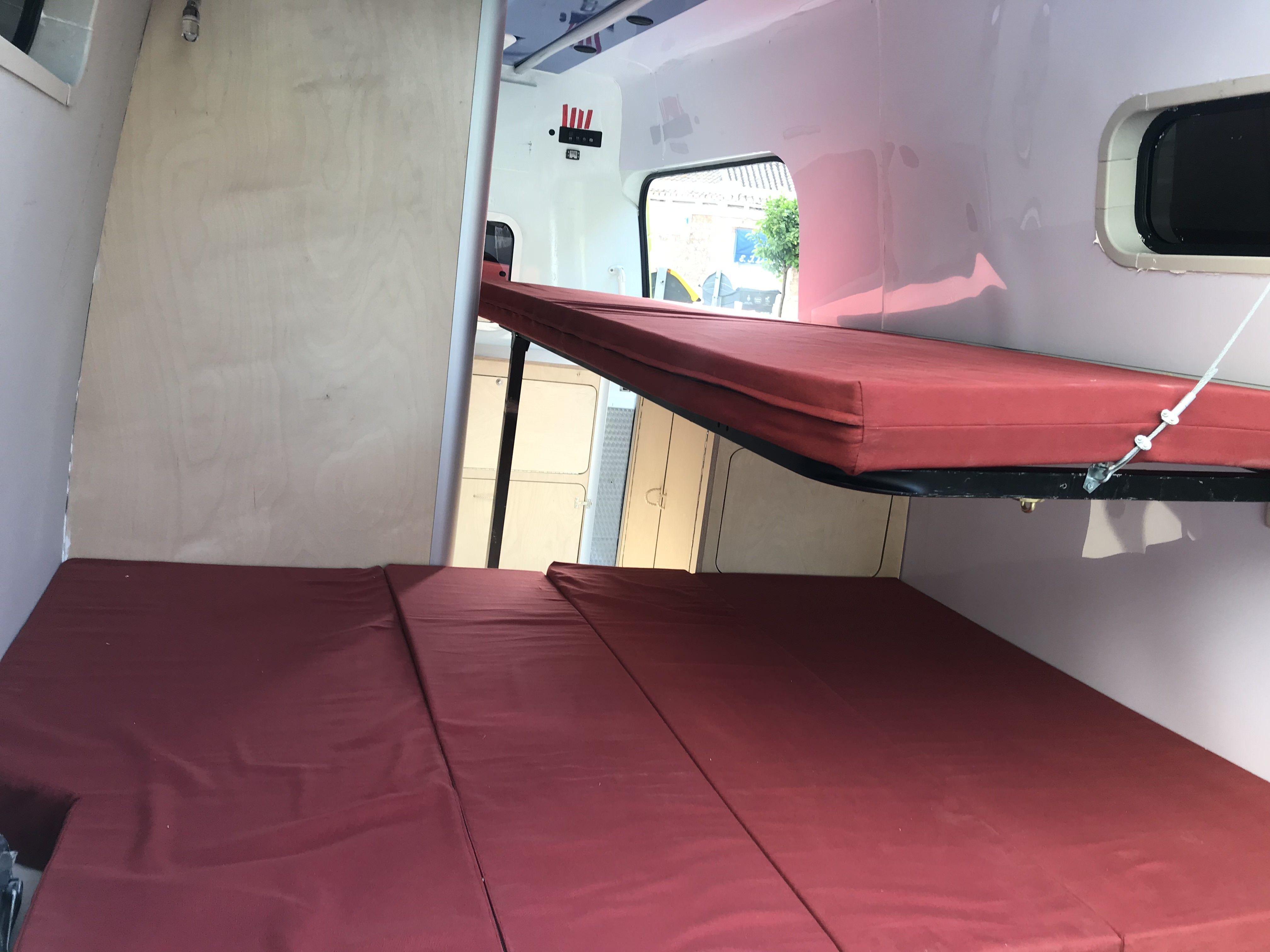 Foto 10 de Empresa dedicada a la camperización de furgonetas en València | CamperValencia