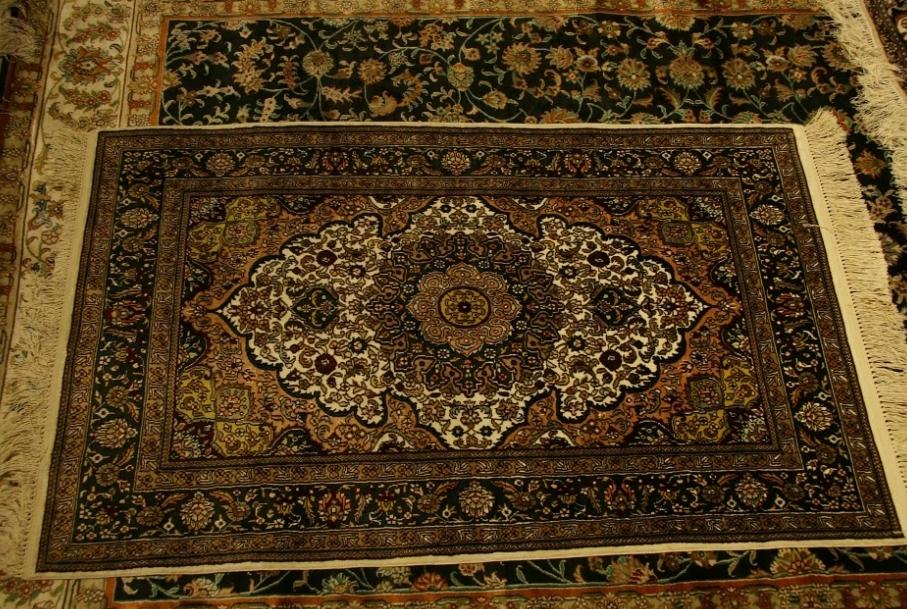 Limpieza de alfombras: Servicios de Tintorería Europa Sec