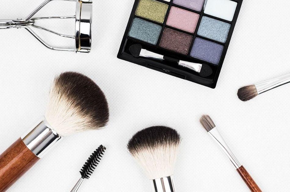Como aplicar los cosméticos