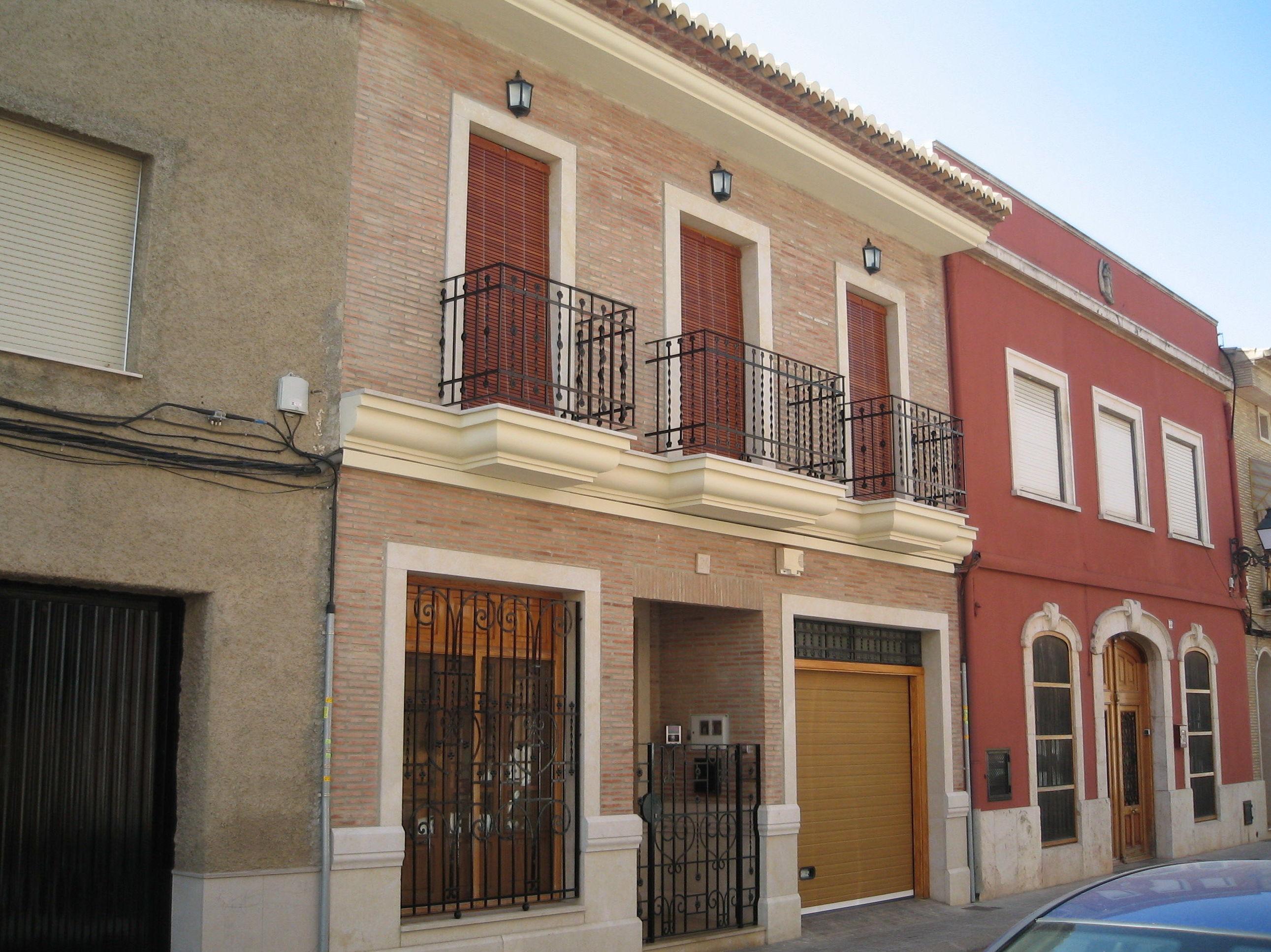 Fachadas: Servicios de Promociones y Construcciones JR Roca Ballester y Hnos.