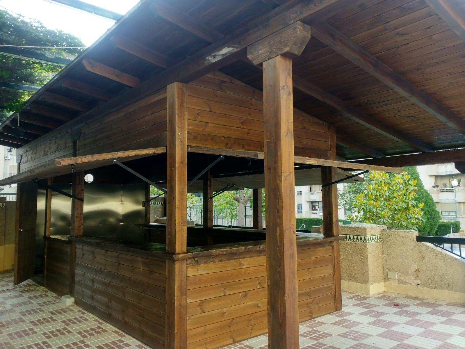 Pérgolas de madera con toldo Málaga