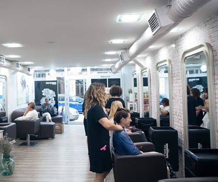 Interior de nuestra peluquería en Ferrol