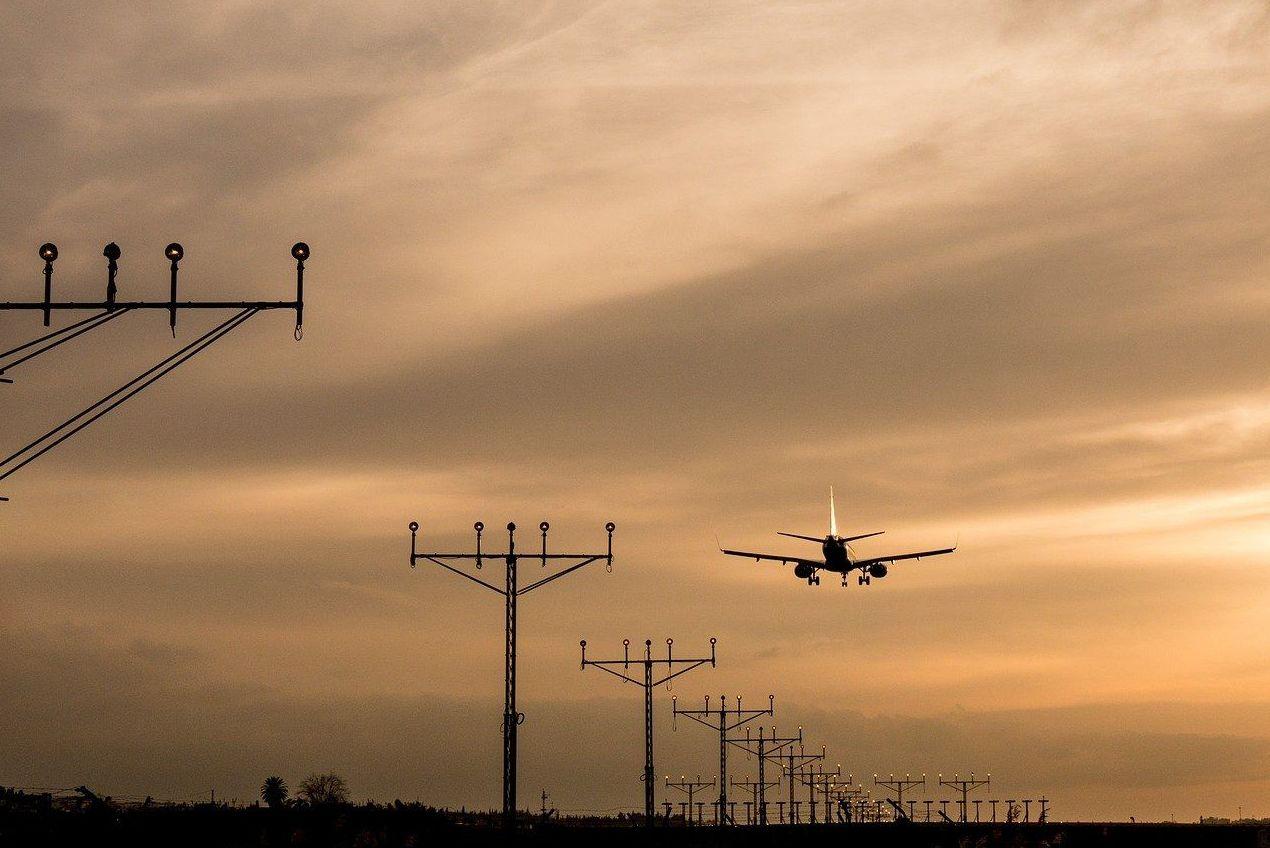 Traslados al aeropuerto y estaciones: Servicios de Tele Taxi Compostela