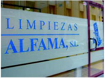Foto 14 de Abrillantado y cristalizado de suelos en Gijón | Limpiezas Alfama, S.L.