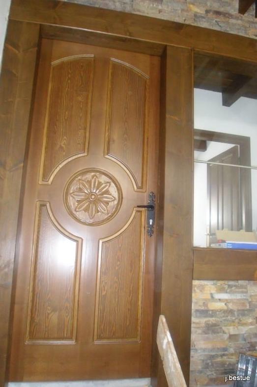 Puertas rústicas en madera