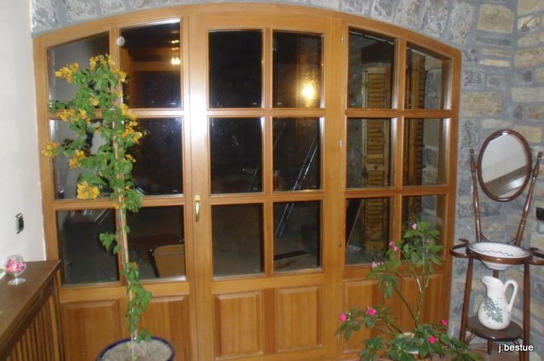Puertas rústicas y convencionales, ventanas con certificado CE
