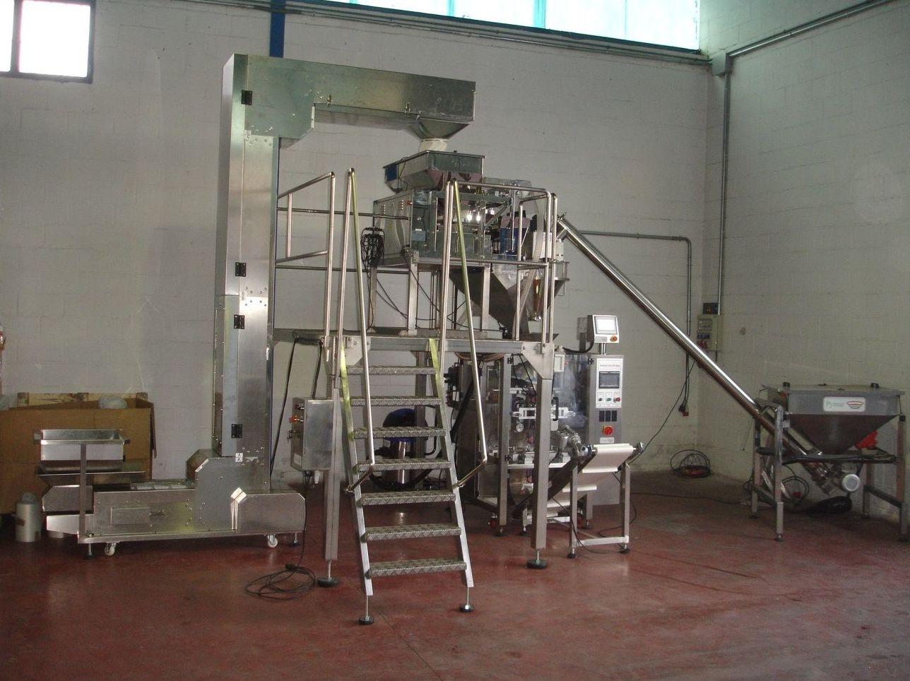 Linea automática de envasado de productos granulados y en polvo