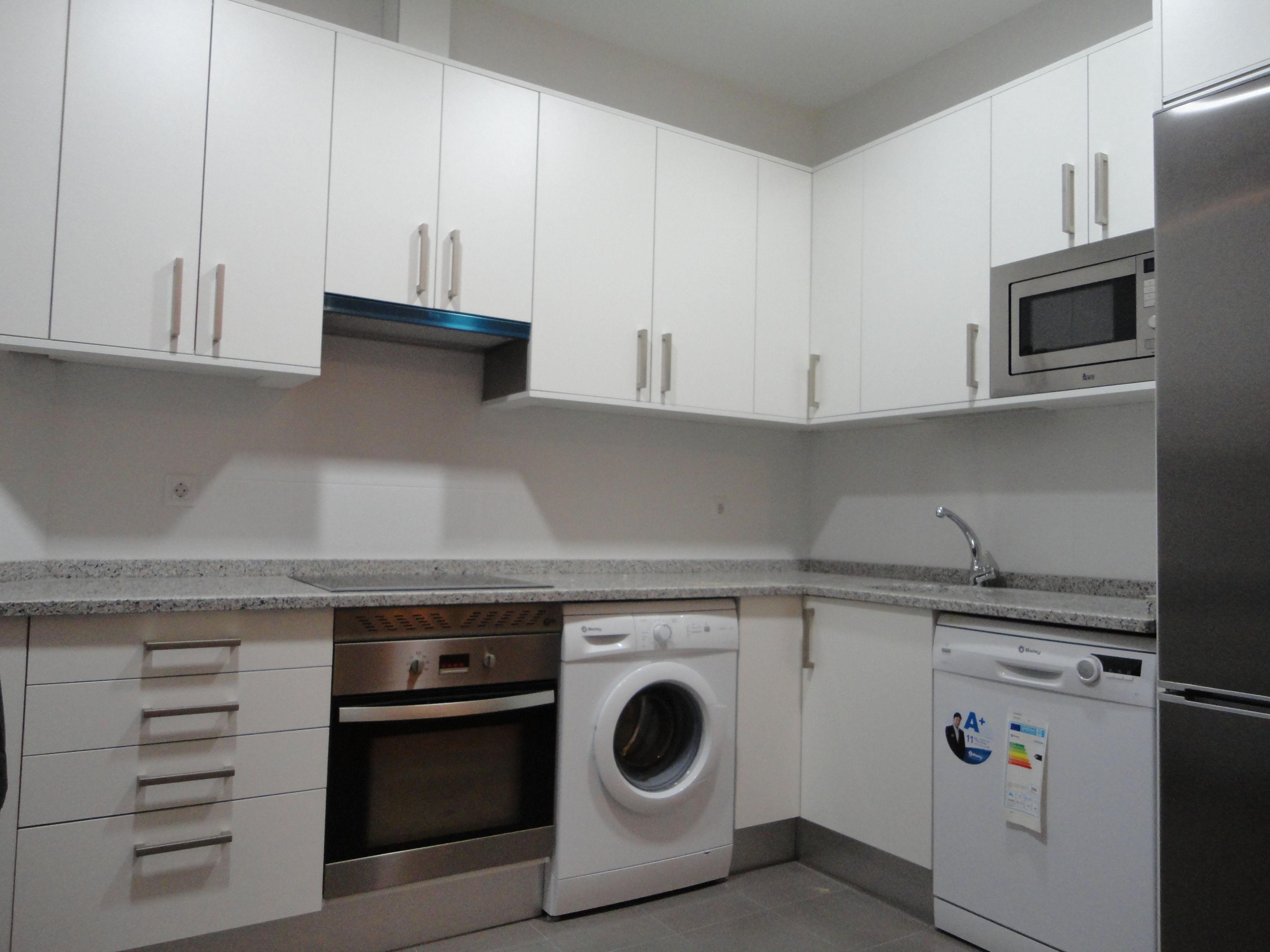 Foto 19 de Muebles de baño y cocina en Madrid | Pascual Electrodomésticos, S.L.
