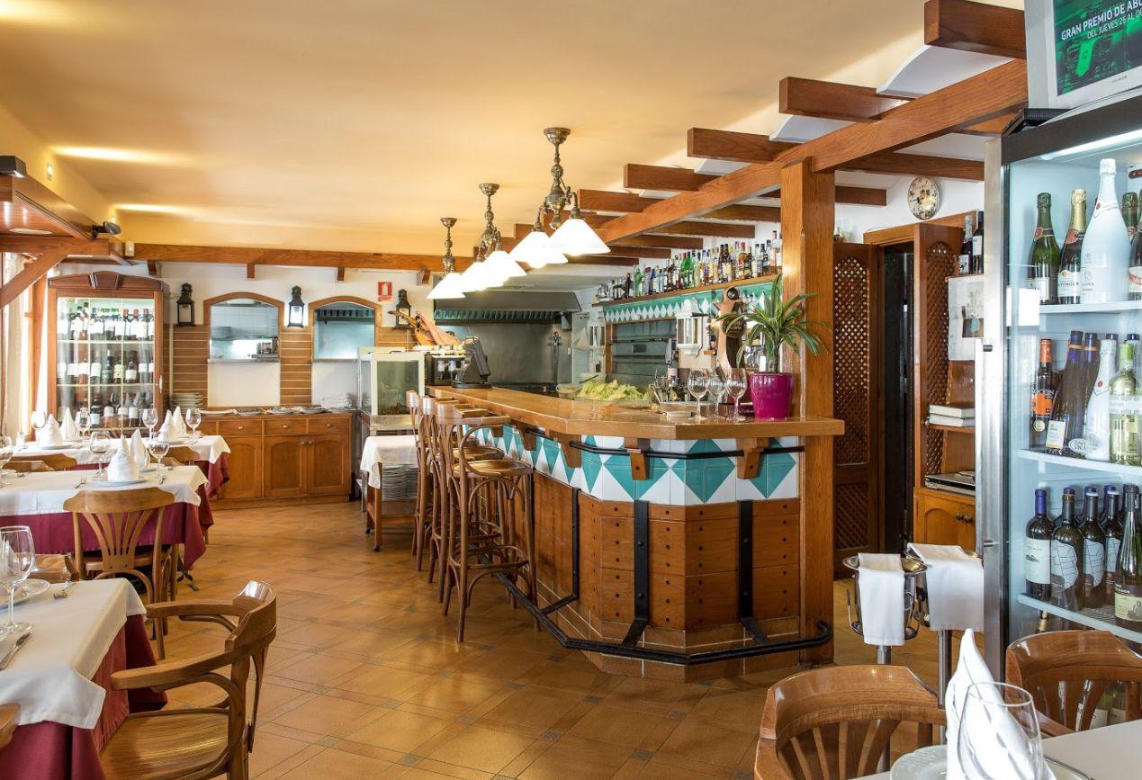 Restaurante especializado en arroces, pescados y mariscos en Ibiza