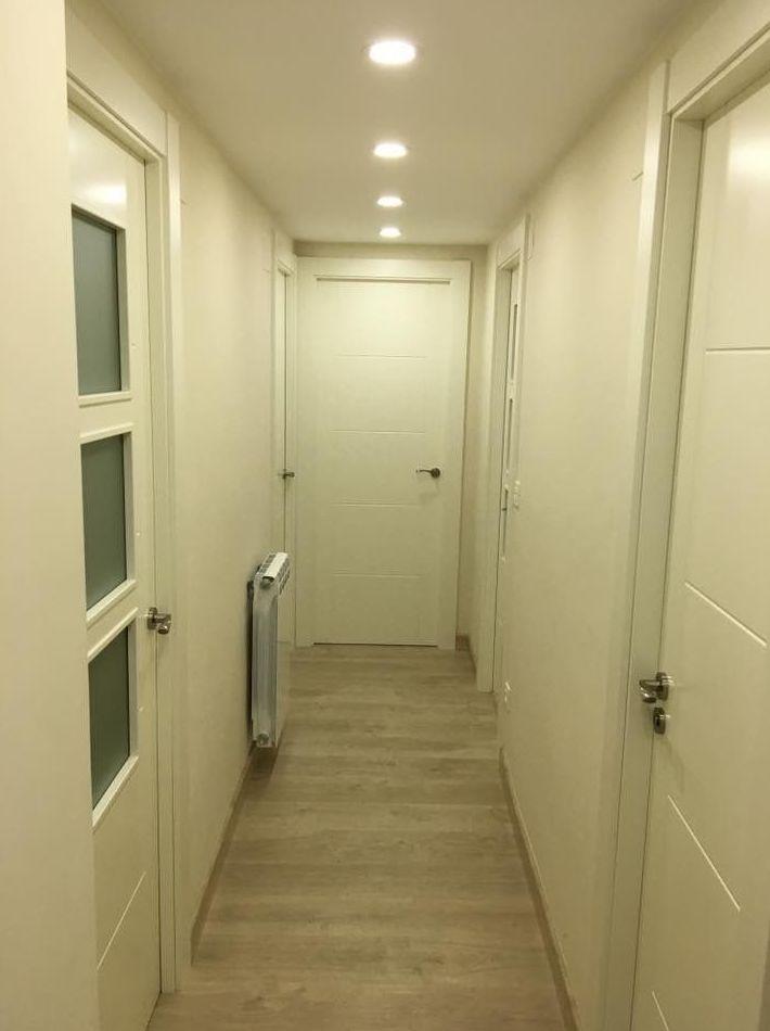 Montaje de puertas de interior