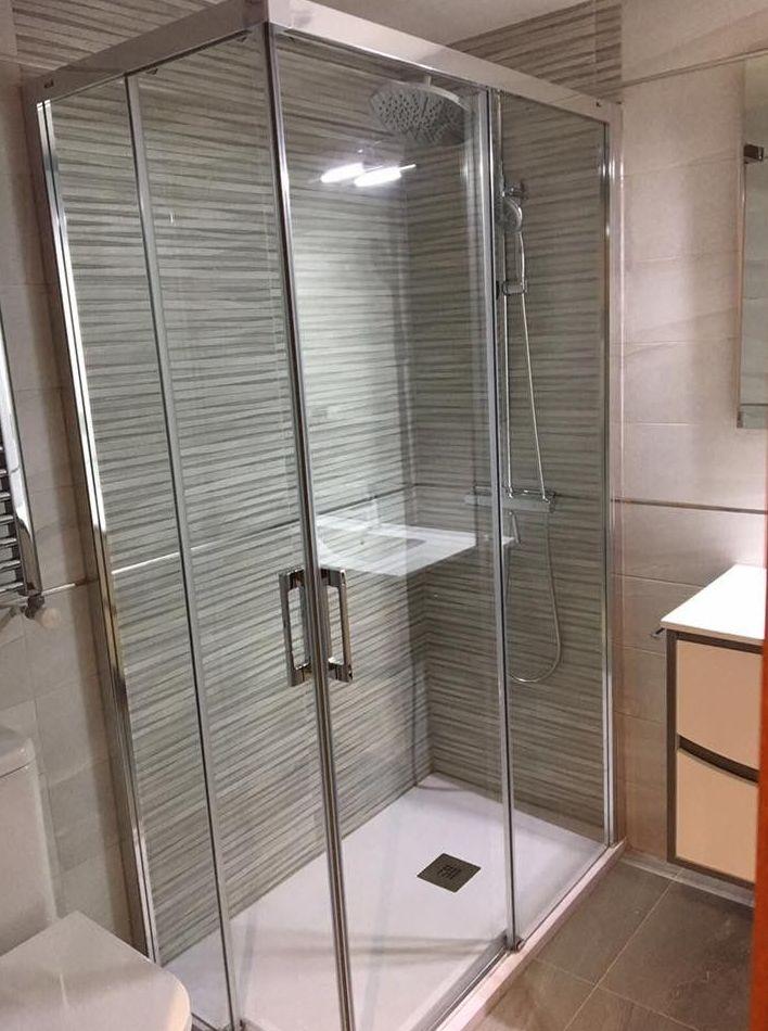 Duchas modernas para un baño único