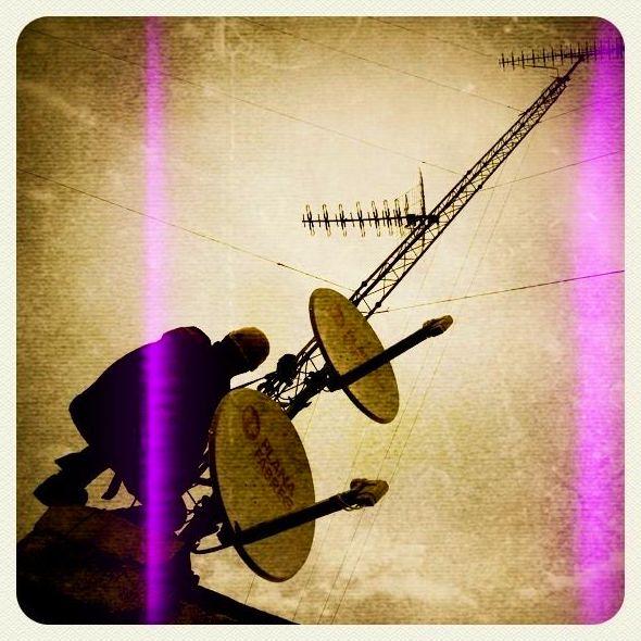 Instal·lació d'antenes i parallamps.