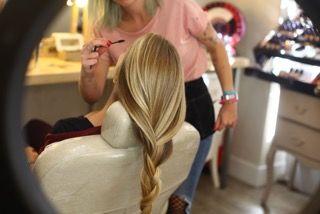 Servicios de peluquería y maquillaje