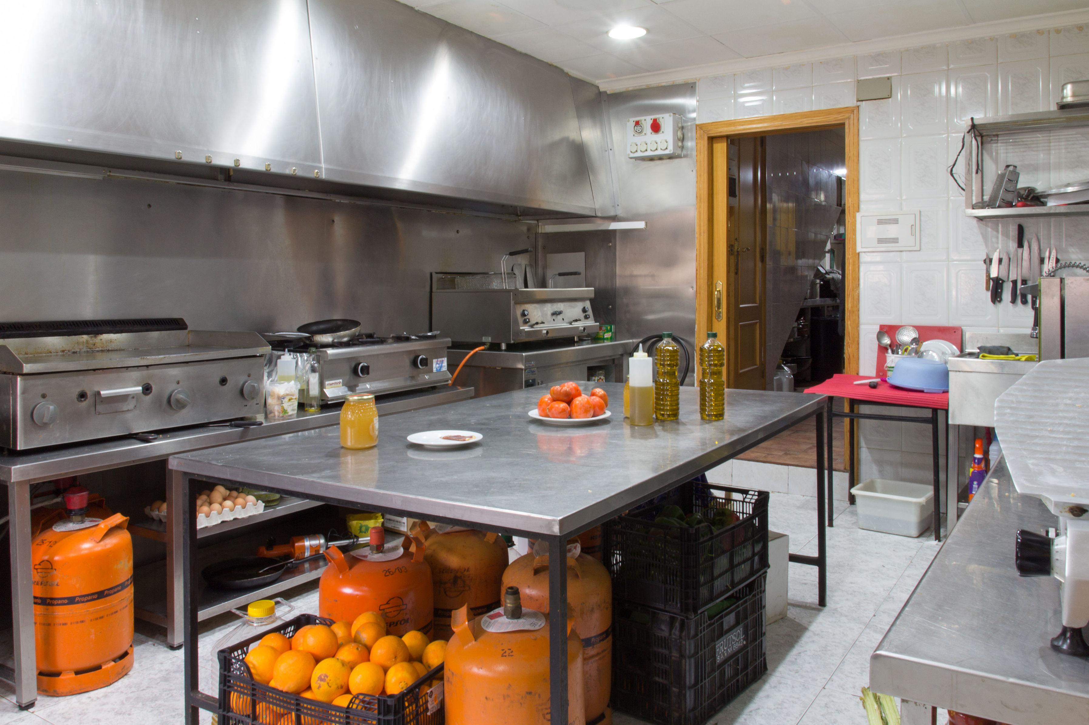 Restaurante de cocina casera tradicional en Cortes de Pallás