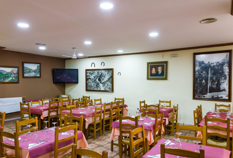 Foto 5 de Restaurante en Cortes de Pallás | Hostal Restaurante Chema