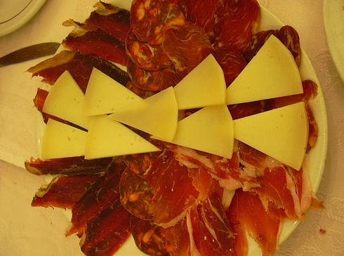 Embutidos y quesos: Mesón Restaurante de Mesón Restaurante La Fresquera