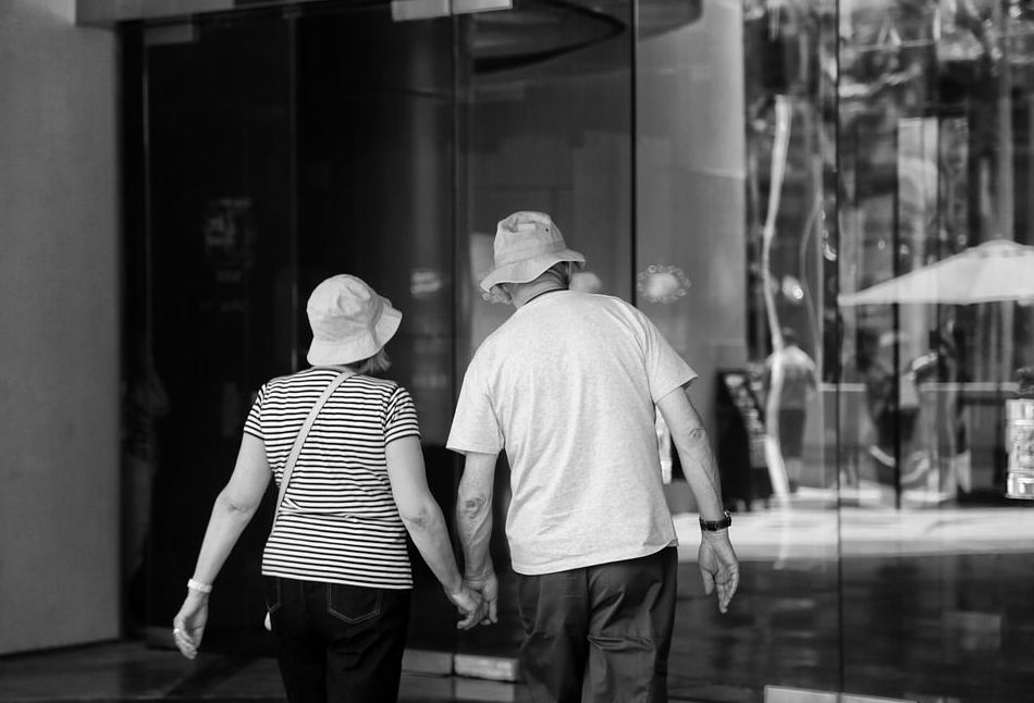 caballero de 60 años de la ribera de Navarra: ¿Buscas pareja? de AZALEA  agencia de relaciones de pareja
