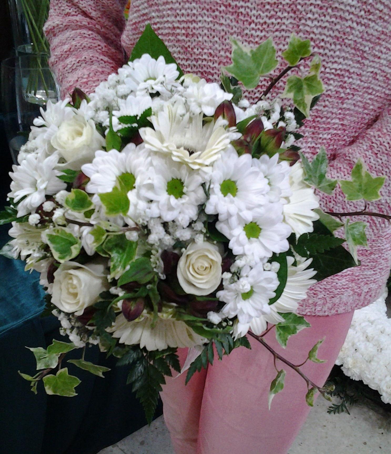 Ramo de margaritas: Servicios de Arte Flor