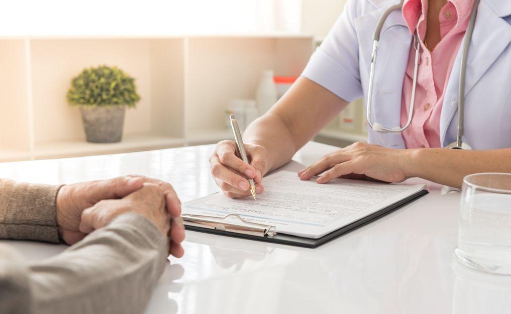 Certificado médico oficial: Reconocimientos y certificados de Centro Óptico El Henar