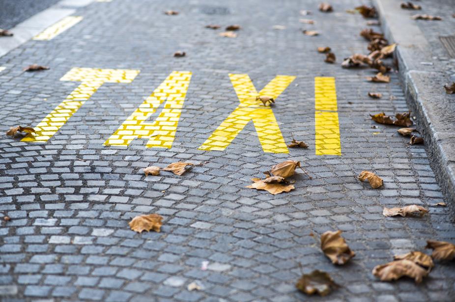 """Reservas Taxis Las Palmas de Gran Canaria, Puertos y Aeropuerto. Bookings, Transfers by Gran Canaria. """" Su taxi en Gran Canaria"""". Especialistas en traslados de viajeros y transfers 24 horas"""
